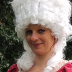 Visites costumées Veygoux Marie-Antoinette